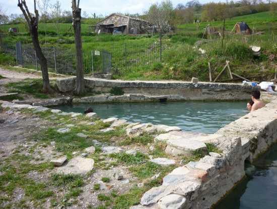 40 fonti termali libere a san casciano agriturismo podere pratella - San casciano dei bagni ...