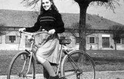 Adelina in bicicletta